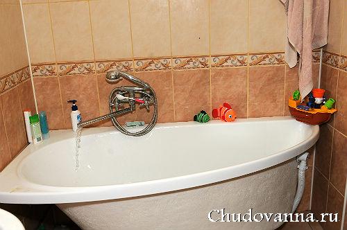 ассиметричная ванна Ravak Avocado