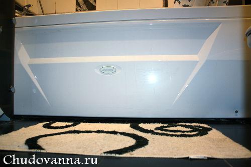 vannaya-komnata-v-cherno-belom-cvetovom-reshenii-13