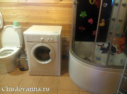 remont-vannoj-komnaty-v-derevyannom-dome-1