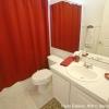 Декор ванной в красном цвете