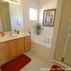 Оформление просторной ванной комнаты