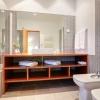 Просторная ванная в стиле минимализм