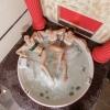 Классическая ванная с джукузи на подиуме