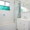 Белоснежная ванная комната-2