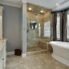 Просторная ванная в стиле модерн