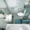 Ванная комната с мозаичной отделкой. Вид сверху