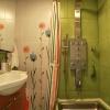 Небольшая ванная комната с душем