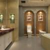 Просторная ванная комната в стиле ампир