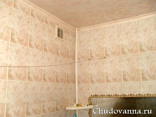 кафельная плитка на стенах в ванной