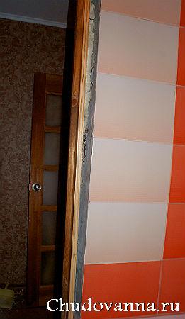 дверь в ванной