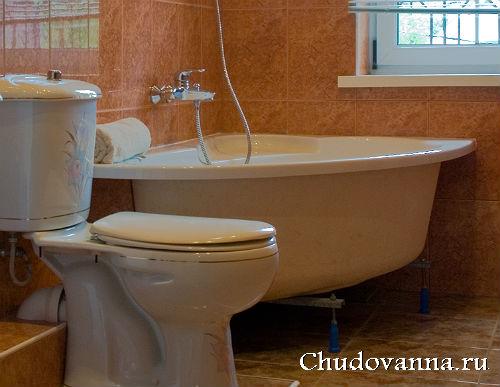 Ванна в маленькую ванную комнату