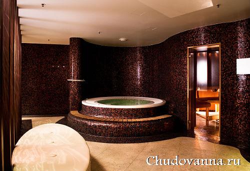 ванна на подиуме