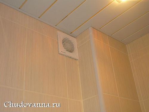 istoriya-remonta-malenkoj-vannoj-komnaty-s-dushevoj-kabinoj-8