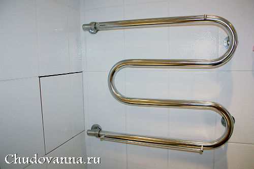 vannaya-komnata-v-cherno-belom-cvetovom-reshenii-5